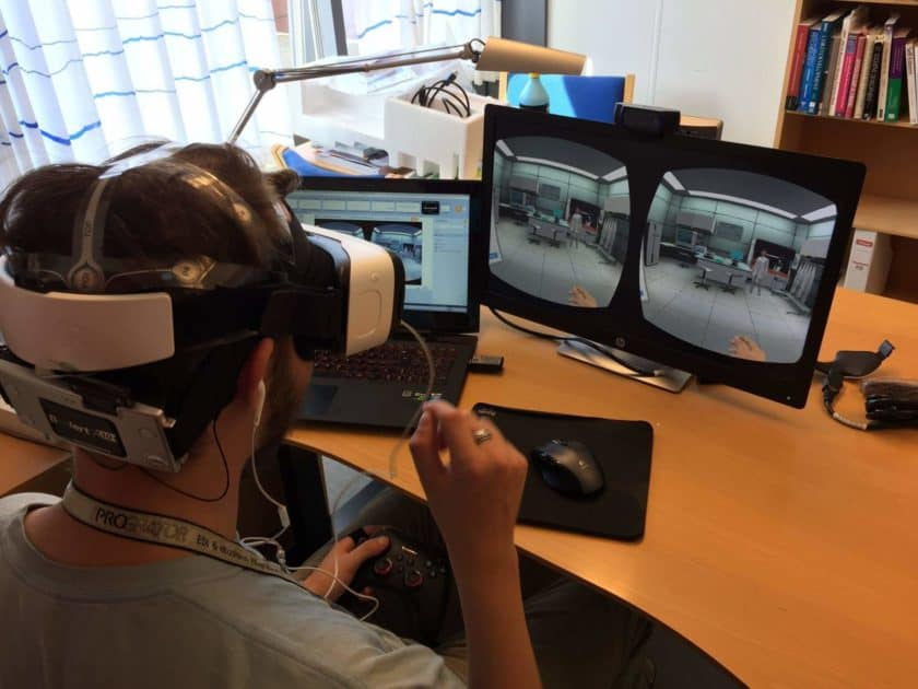 students-using-labster-vr-labs