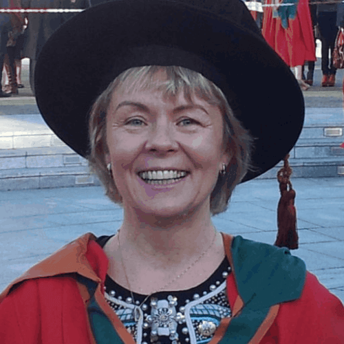 Dr. Therese Uniacke-Lowe